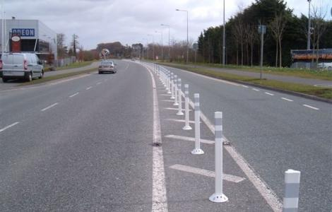 Fg300 Flexible Delineator Posts Highway Markings